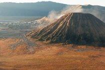 Пейзаж с вулкан Маунт — стоковое фото