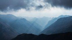 Paesaggio di montagna in estate — Foto stock