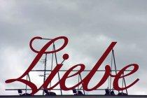 Dach des Gebäudes mit deutscher Sprache Wort der Liebe, liebe — Stockfoto