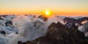 Природний ландшафт з вершини гори — стокове фото