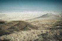 Пустельний краєвид гір та пагорбів — стокове фото