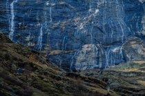 Paysage avec vue sur cascade — Photo de stock