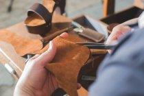 Macht Schuhe manuelle — Stockfoto