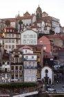 Stadtbild von alte Stadt typische Architektur, Porto, Portugal — Stockfoto