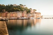 Mediterranean coastal town view with boats by the bay, Italy — Stock Photo