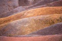 Різнокольорові краєвид пісок пагорби — стокове фото