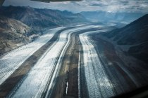 Aerial view on snow covered mountains landscape, kluane national park — Stock Photo