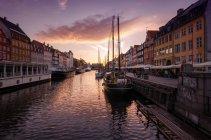 Blick auf Kanal in Kopenhagen, Dänemark — Stockfoto
