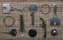 Still life of keys on table — Stock Photo