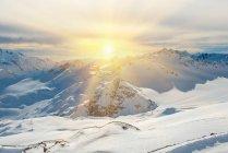 Захід сонця у snowy Блакитні гори — стокове фото