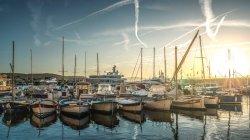 Marina view з яхти — стокове фото