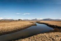 Пейзаж с горами диапазона — стоковое фото