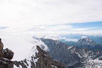 Torreggianti innevate cime — Foto stock