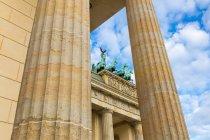 Vista parziale del monumento di porta di Brandeburgo, Berlino, Germania — Foto stock