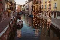 Venice old town view with boats at canal, Italy — Stock Photo