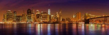 Манхеттен вночі — стокове фото