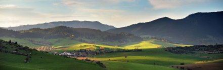 Spring in Slovakia. April sunny hills. — Photo de stock