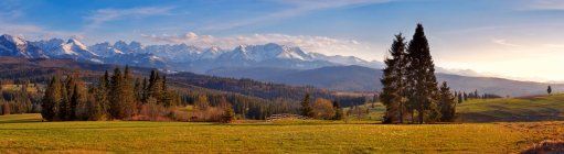 Panorama of snowy Tatra mountains — Stock Photo