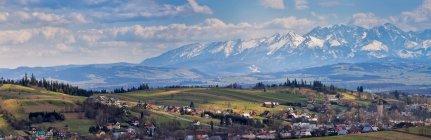 Snowy Tatra mountains in spring — Stock Photo