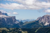 Scenario di belle montagne — Foto stock