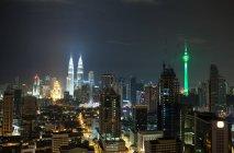 Ночной город Куала-Лумпур — стоковое фото