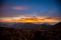 Закат в Альпах, Швейцария — стоковое фото