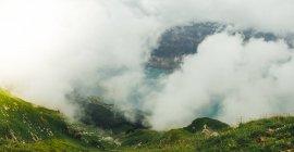 Пейзаж з видом на гори діапазон — стокове фото