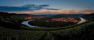 Vue panoramique, village en Allemagne pendant le coucher du soleil, Rhénanie-Palatinat — Photo de stock