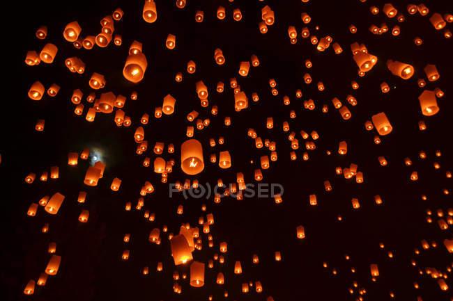 Фестиваль фонарей небо — стоковое фото