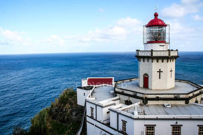 Гарний вид на море з Arnel маяк — стокове фото
