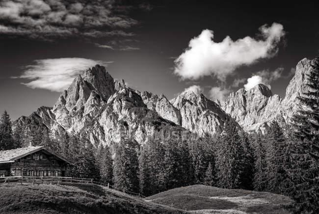 Ландшафт альпийских гор — стоковое фото
