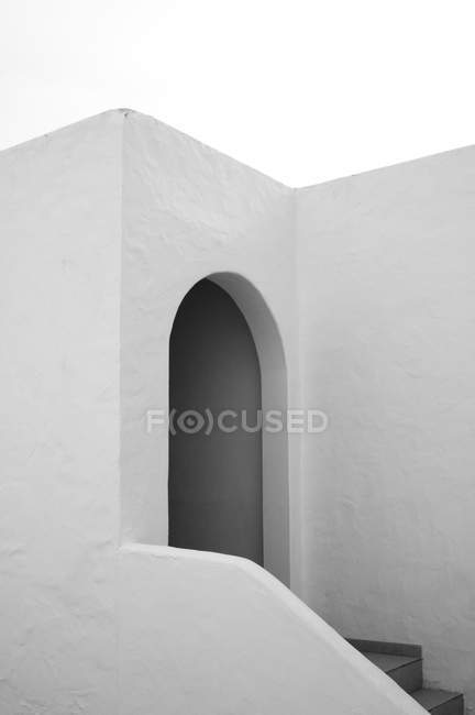 Partial view of concrete wall texture with entrance, minimalistic concept — Stock Photo