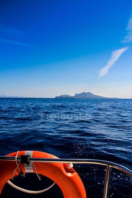 Di vista sul mare da barca a vela — Foto stock
