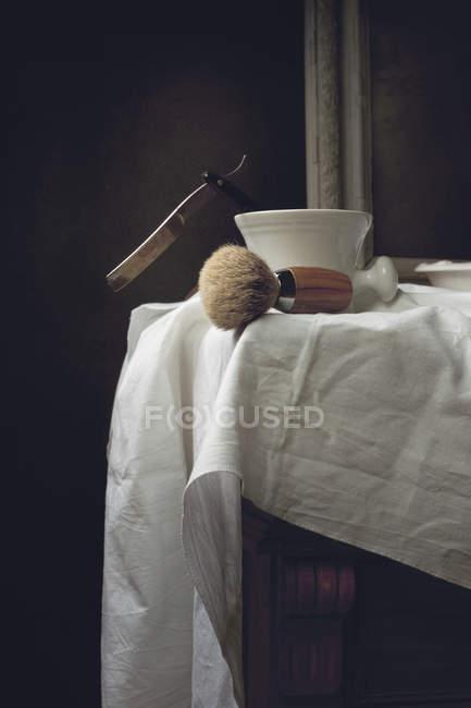 Pennello da barba e ciotola di schiuma — Foto stock