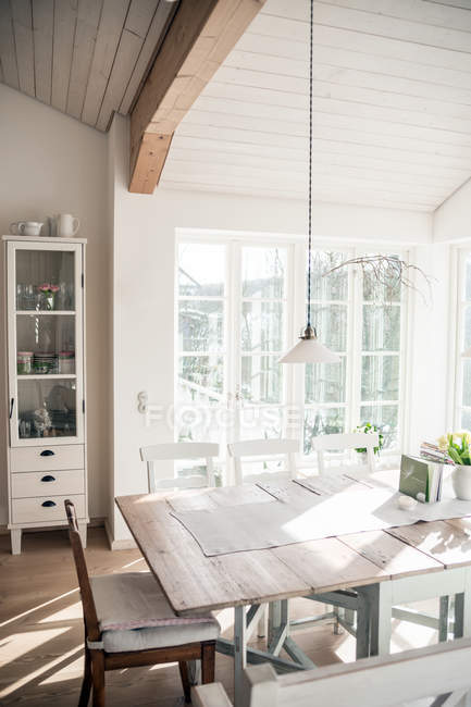 Leve para casa design de interiores em casa de aldeia — Fotografia de Stock