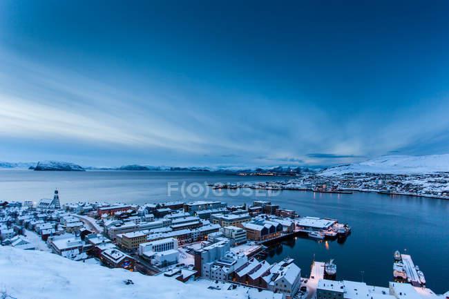 Vista da cidade costeira — Fotografia de Stock