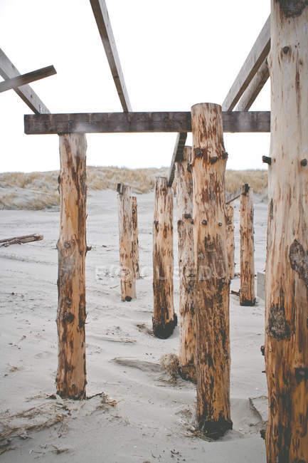 Holzkonstruktion der Pole — Stockfoto