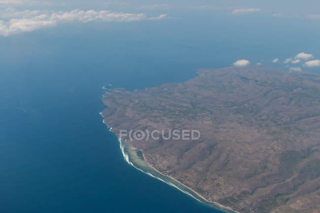 Повітряні морський пейзаж з моря і берегової лінії — стокове фото