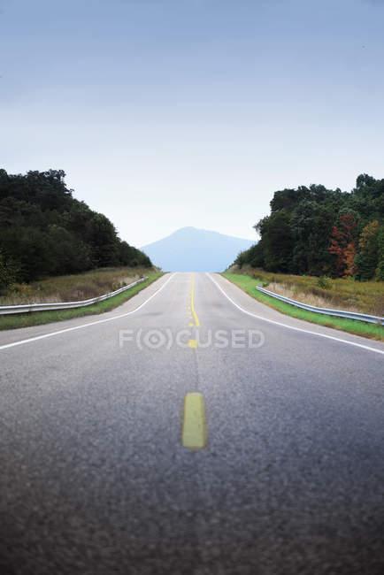 Malerische Aussicht auf schöne Gebirge Landschaft — Stockfoto