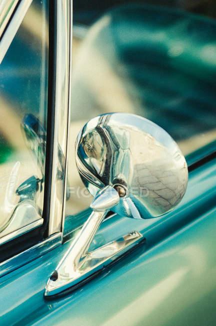 Closeup de exibição de detalhes do carro retrô — Fotografia de Stock