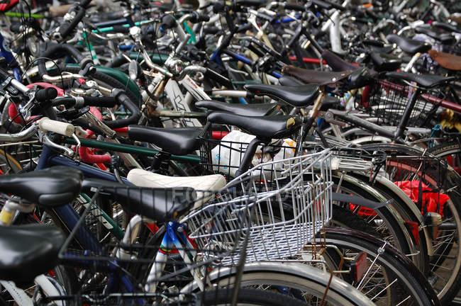 Повного кадру зображення багато велосипедів — стокове фото