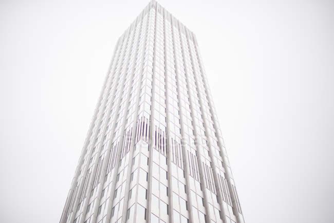 Costruzione di vista inferiore architettura moderna — Foto stock