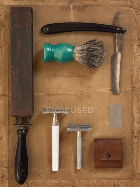 Top view of male shaving tools, straight razor — Stock Photo
