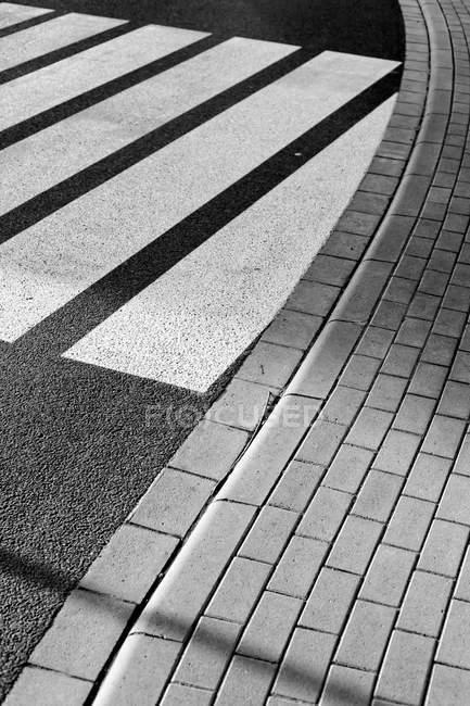 Linee di zebra crossing Road — Foto stock