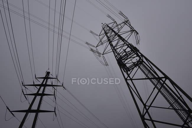 Мощность линии снизу мнение — стоковое фото