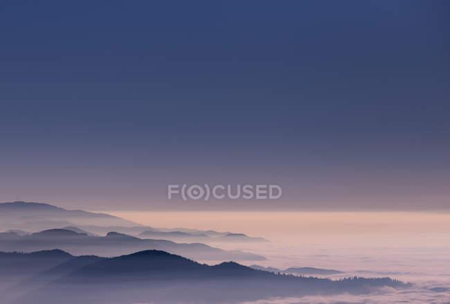 Красивый горный пейзаж — стоковое фото