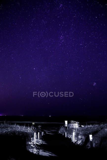 Синій темний нічне небо з Чумацького шляху — стокове фото