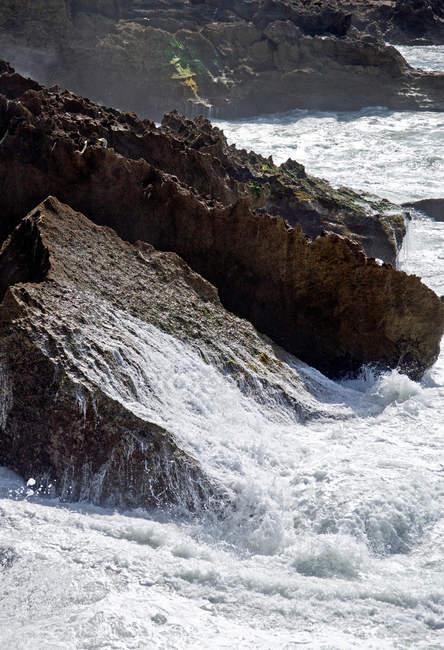 Бурхливому морі у погану погоду — стокове фото