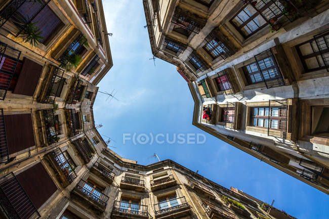 Exterior shot of residential building in Barcelona, bottom view — Stock Photo