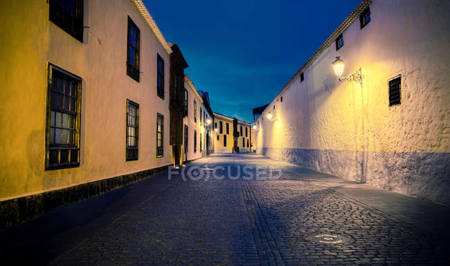 Lighting lanterns and old town — Stock Photo
